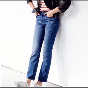 Madewell    Straight Leg Cropped Jean